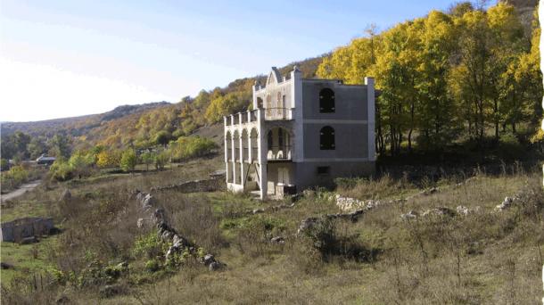 №267 Продается дом и земельный участок в живописном месте Крыма