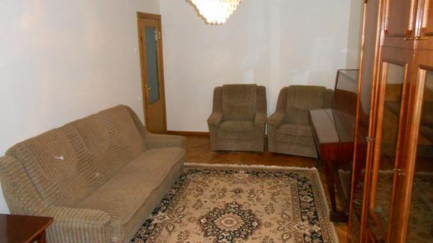 №278 Сдается 3-комнатная квартира в Алуште, центр