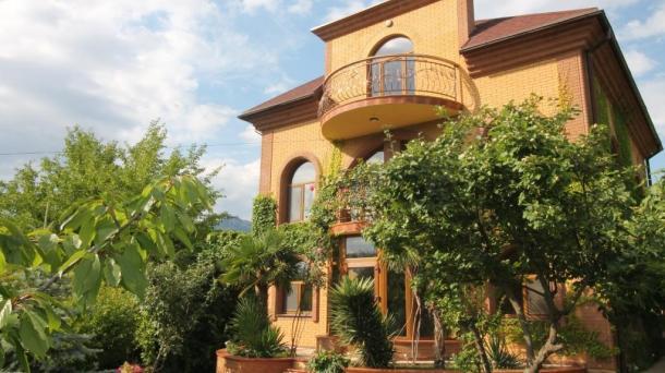 №359 Продается дом и земельный участок в  Крыму