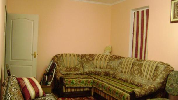№402 Продам 3-комнатную квартиру в Алуште