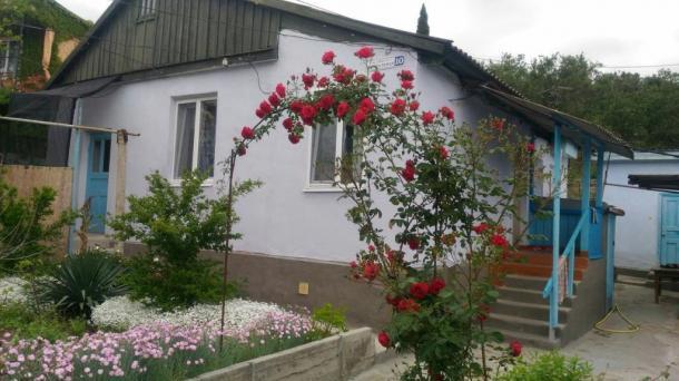 №401. продам дом в Алуште с. Малореченское