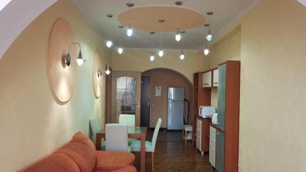 №505 продам 2-комнатные апартаменты в Алуште берег