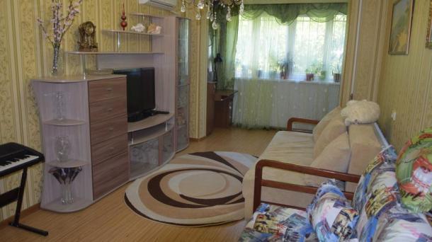# 257 продам 2-комнатную квартиру в Алуште